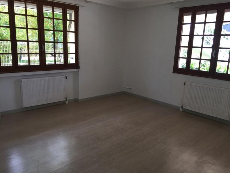 Locação apartamento Genas 805€ CC - Fotografia 6