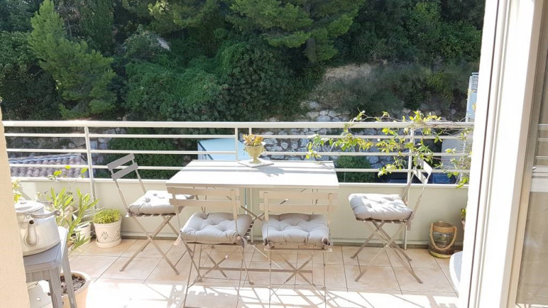 Rental apartment Les angles 733€ CC - Picture 5