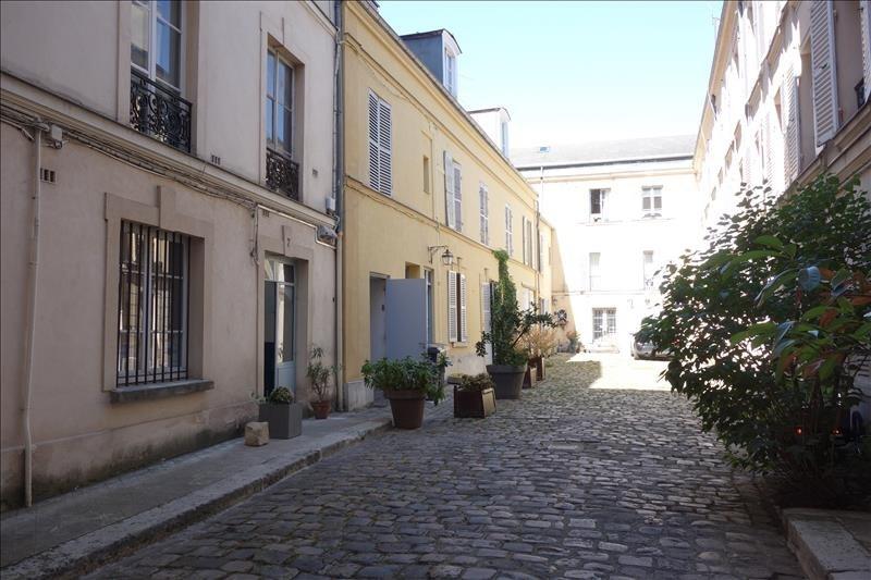 Rental apartment Versailles 885€ CC - Picture 2