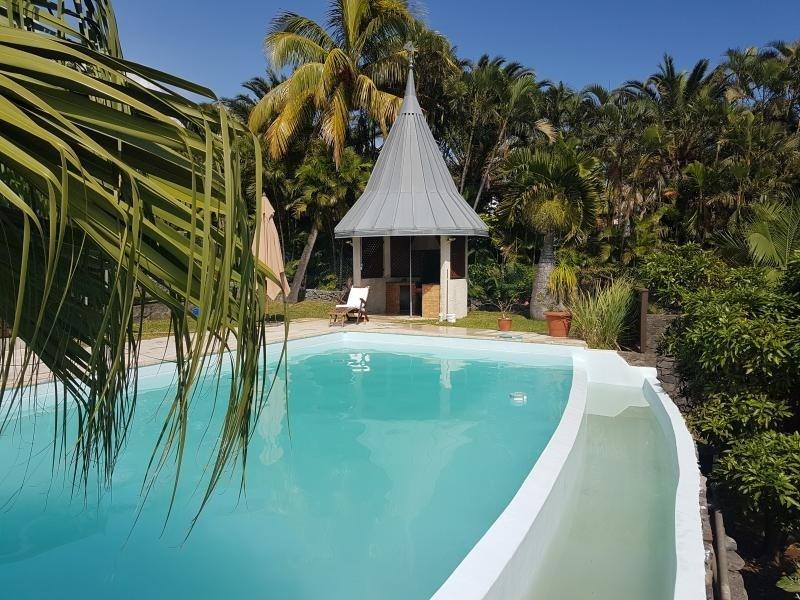 Deluxe sale house / villa La possession 725000€ - Picture 1