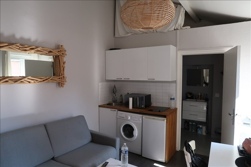 Rental apartment Lyon 3ème 495€ CC - Picture 1