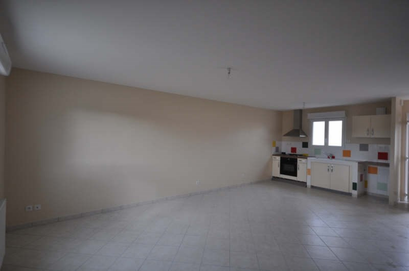 Location maison / villa Villefargeau 731€ CC - Photo 4