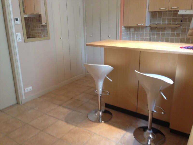 Rental apartment Poitiers 303€ CC - Picture 1