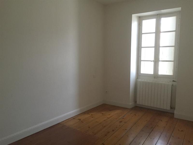 Location appartement Saintes 591€ CC - Photo 6