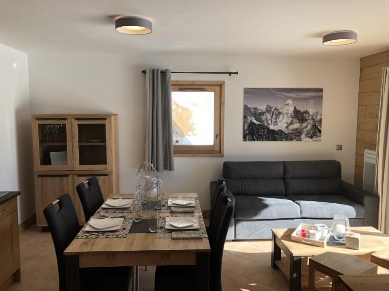 Sale apartment Villard-sur-doron 330 000€ - Picture 2