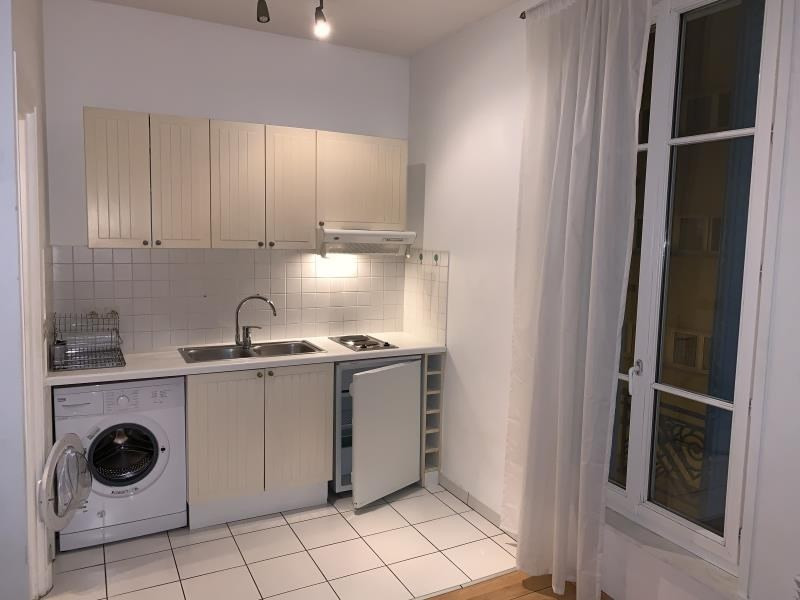 Rental apartment Paris 20ème 713€ CC - Picture 2