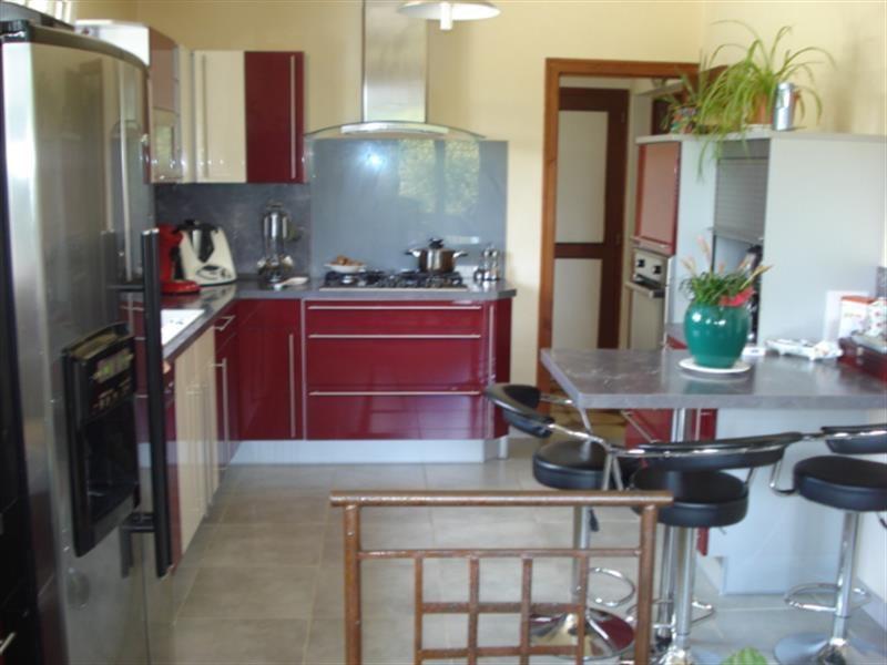 Sale house / villa Lussant 274300€ - Picture 6