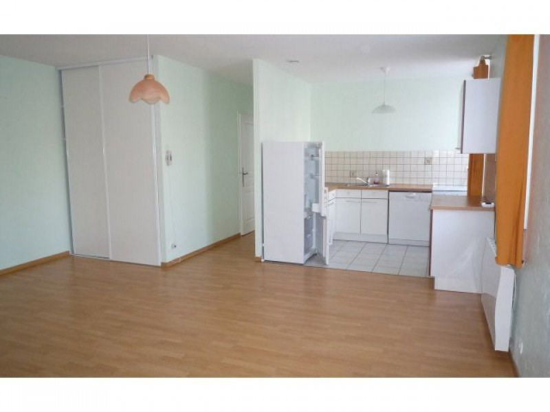 Location appartement Le chambon sur lignon 400€ CC - Photo 2