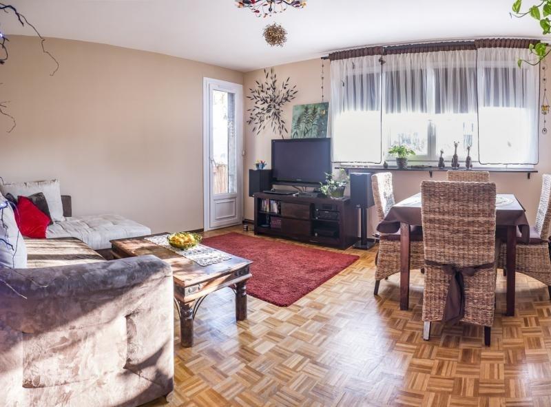 Sale apartment Plaisir 172000€ - Picture 1