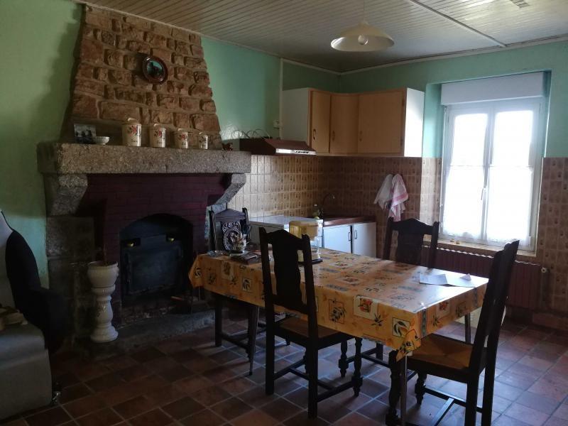 Sale house / villa Mael pestivien 62800€ - Picture 2