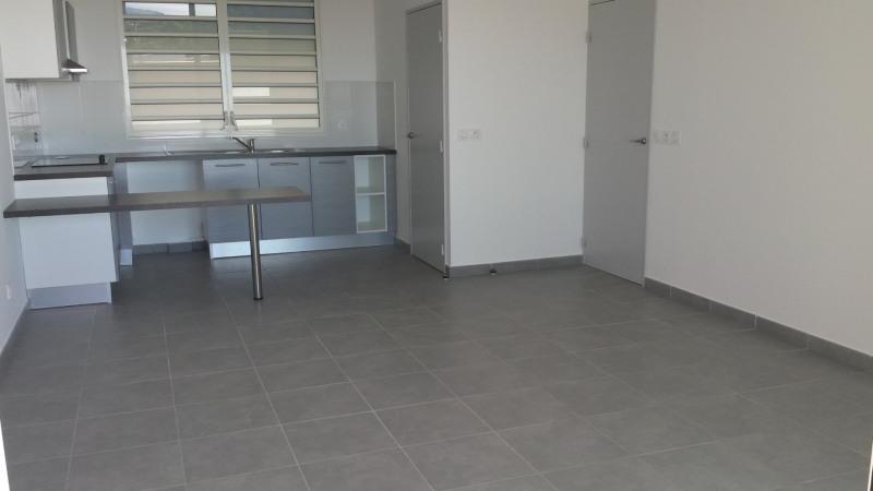 Location appartement St denis camelias 754€ CC - Photo 4