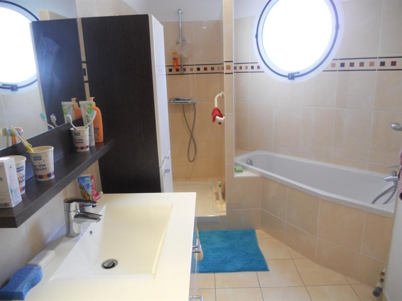 Vacation rental apartment Royan 788€ - Picture 11
