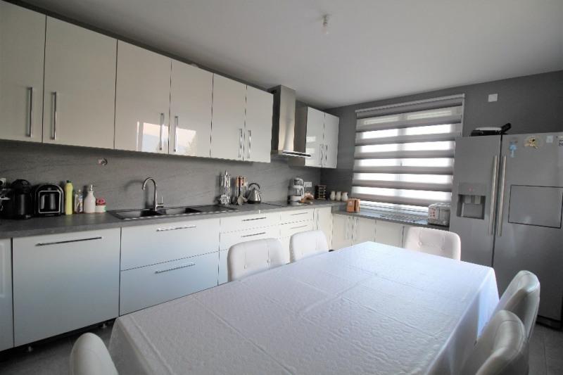 Sale house / villa Le pont de beauvoisin 274000€ - Picture 2
