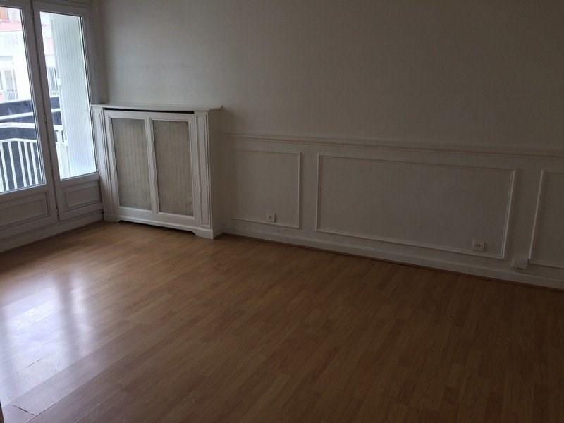 Rental apartment Maurepas 716€ CC - Picture 2