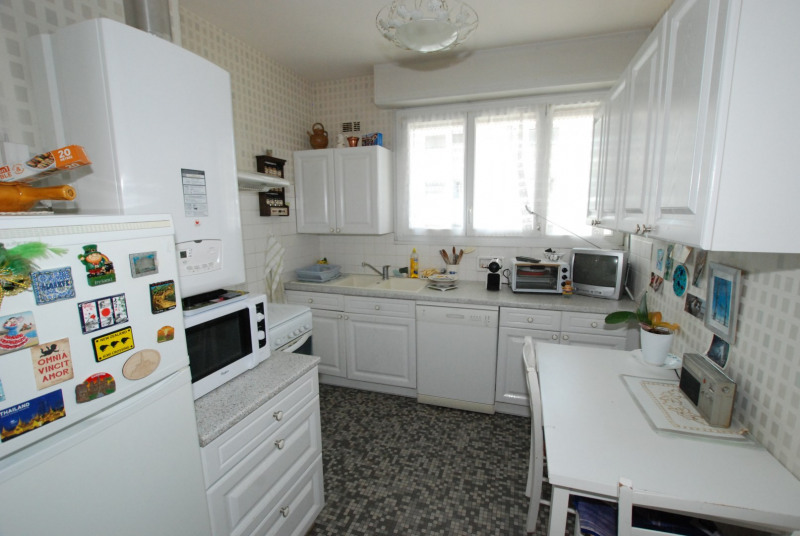 Sale apartment Talence 227 500€ - Picture 2