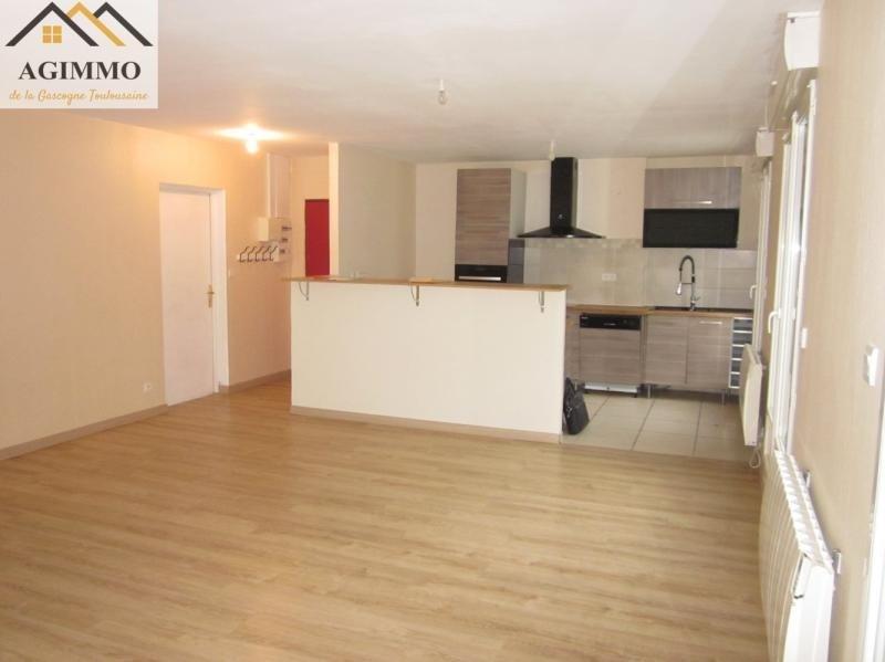 Rental apartment L isle jourdain 750€ CC - Picture 1