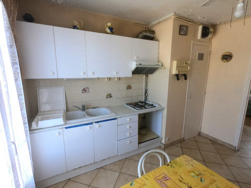 Sale apartment Salon de provence 114 900€ - Picture 2