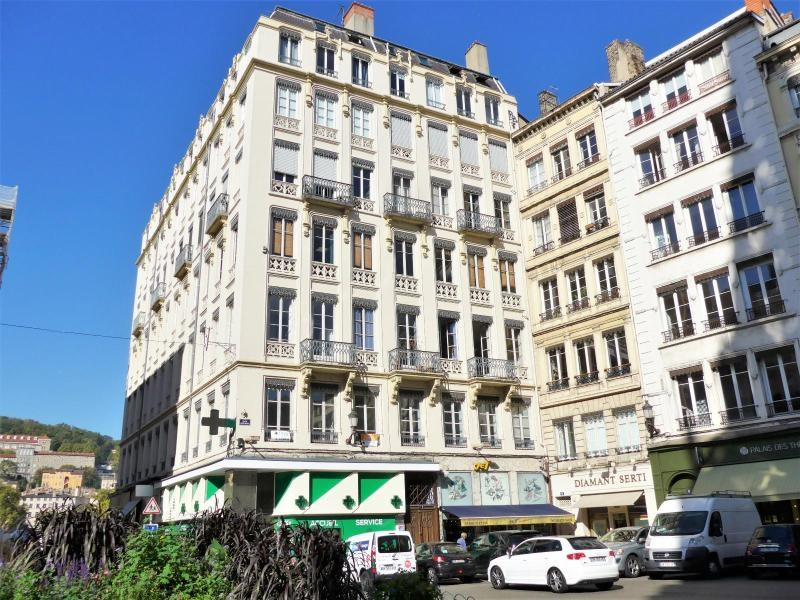 Location bureau Lyon 1er 3 060€ HC - Photo 1