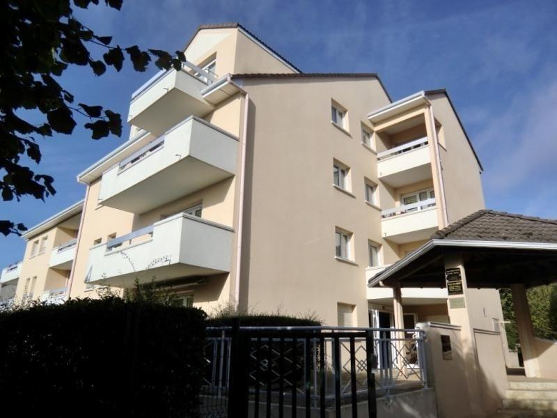 Sale apartment Villabe 119900€ - Picture 1