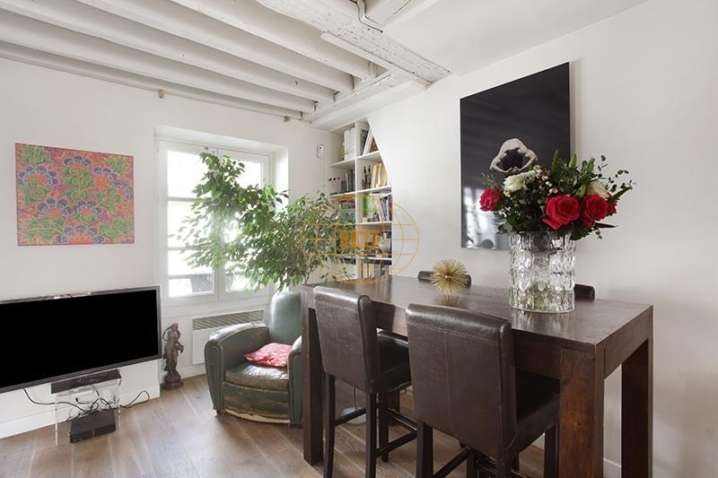 Vente appartement Paris 3ème 830000€ - Photo 1