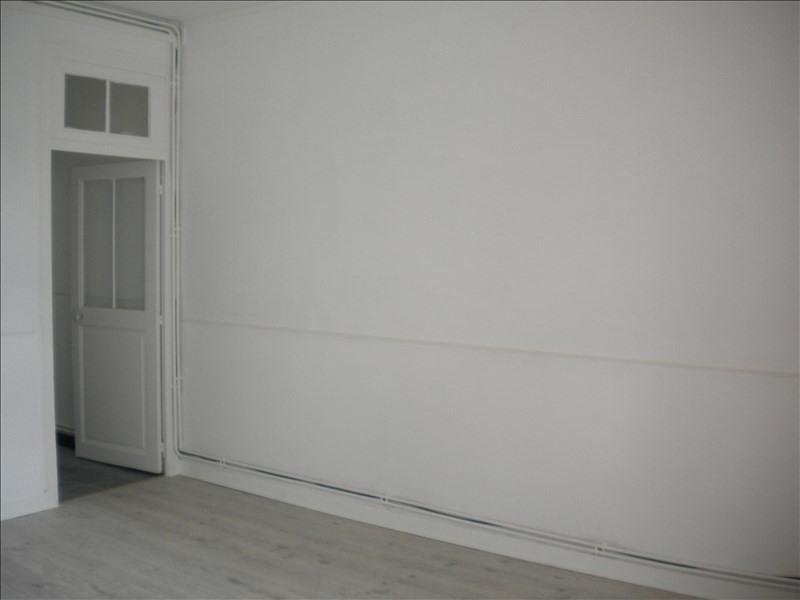 Rental apartment Vendome 452€ CC - Picture 2