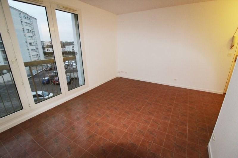 Rental apartment Maurepas 768€ CC - Picture 2