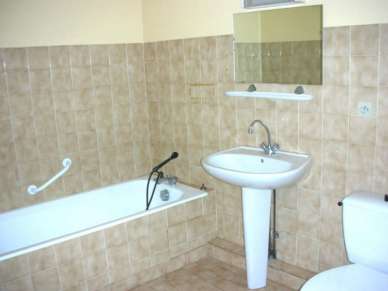 Rental apartment Le puy en velay 305€ CC - Picture 4