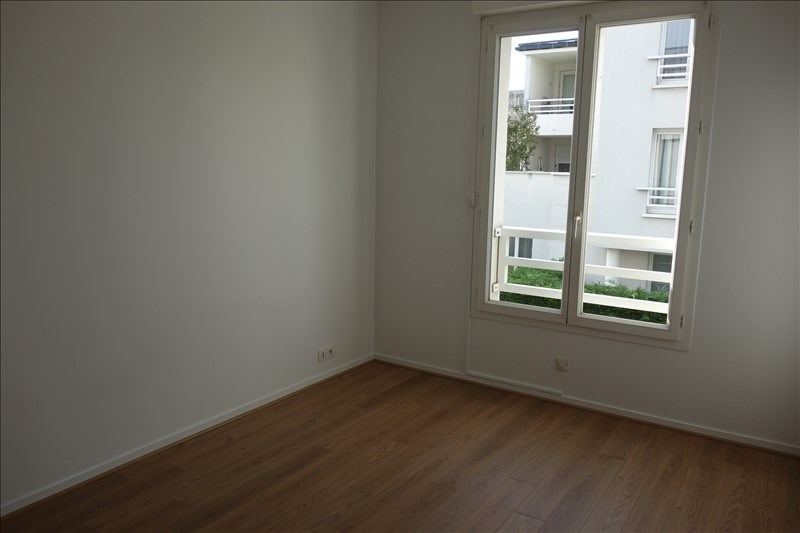 Rental apartment Le chesnay 970€ CC - Picture 4
