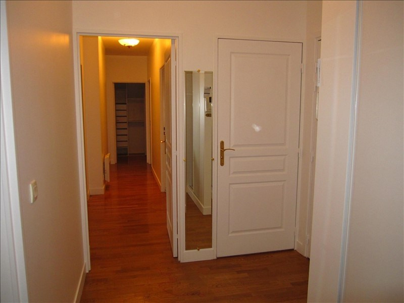 Investment property apartment Croissy sur seine 572 000€ - Picture 3