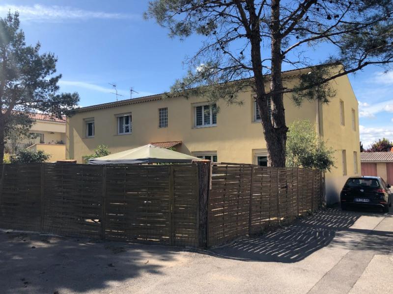 Location appartement Velaux 897€ CC - Photo 1