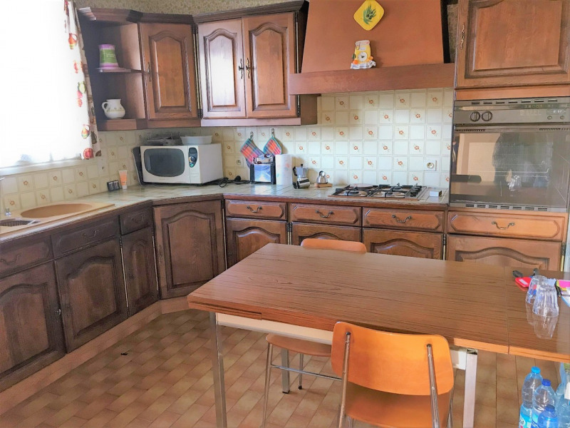 Sale house / villa Poigny-la-forêt 345000€ - Picture 3
