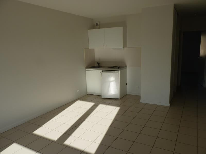Vente appartement La roche sur yon 74 500€ - Photo 2