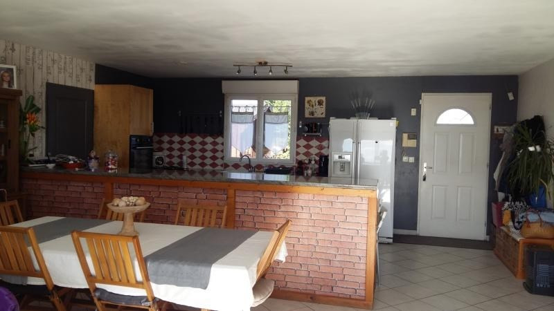 Sale house / villa L isle jourdain 249600€ - Picture 5