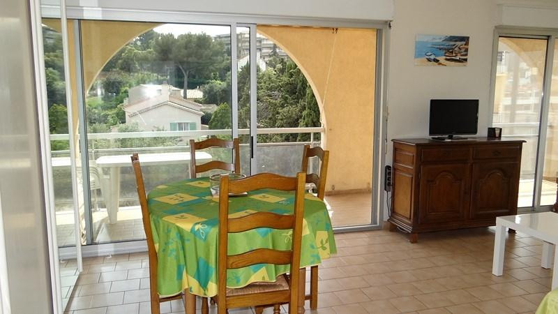 Vacation rental apartment Cavalaire sur mer 420€ - Picture 6