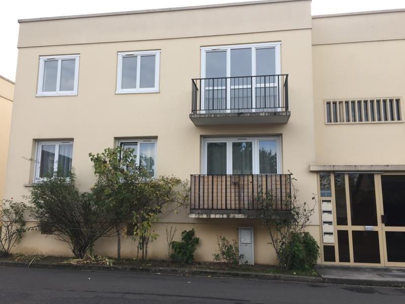 Rental apartment Creteil 1070€ CC - Picture 1