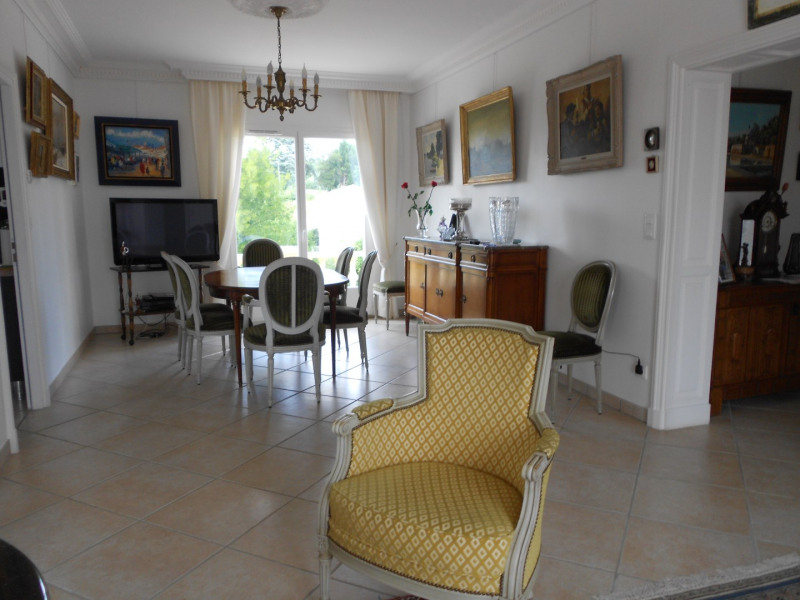 Vente maison / villa Mirambeau 275 000€ - Photo 3