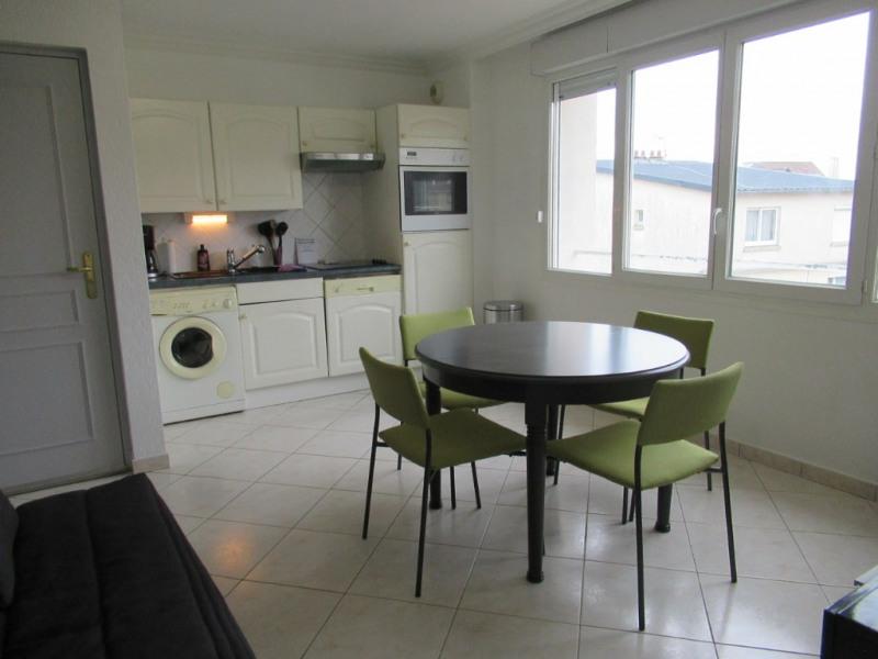 Sale apartment Cucq 88000€ - Picture 1