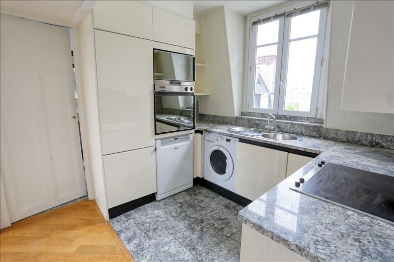 Revenda apartamento Paris 15ème 785000€ - Fotografia 4