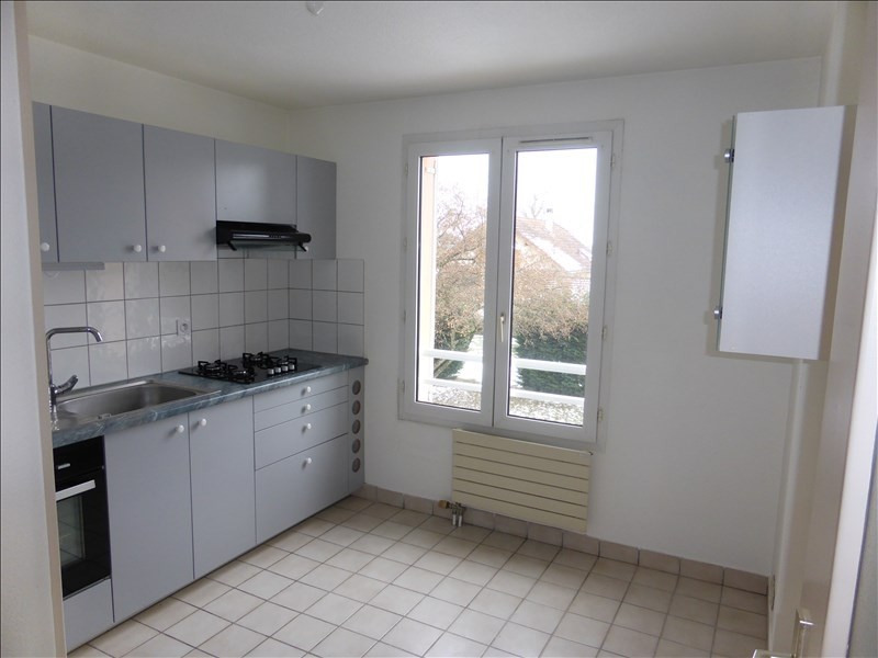Rental apartment Prevessin-moens 1 132€ CC - Picture 2