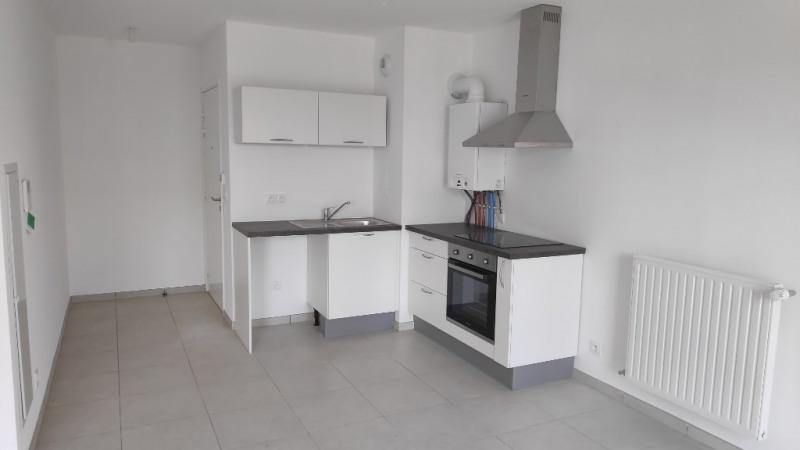 Affitto appartamento Saint laurent du var 837€ CC - Fotografia 1