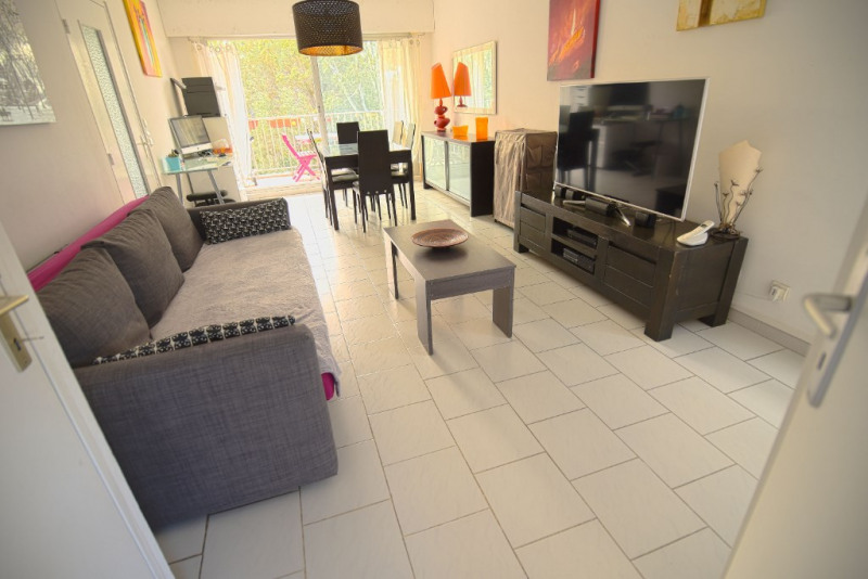 Vente appartement Hyeres 219 000€ - Photo 2