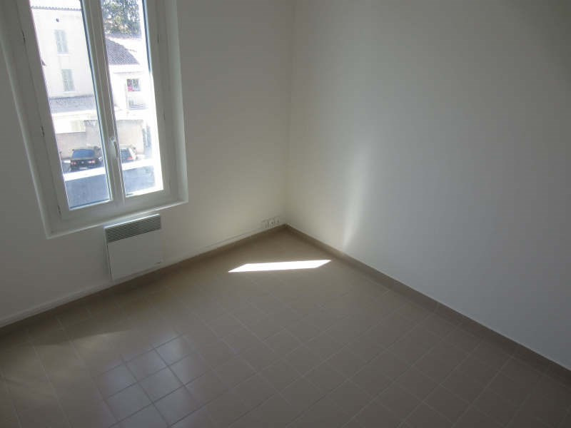 Rental apartment La seyne-sur-mer 559€ CC - Picture 4
