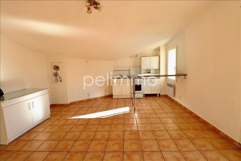 Rental apartment Salon de provence 561€ CC - Picture 2