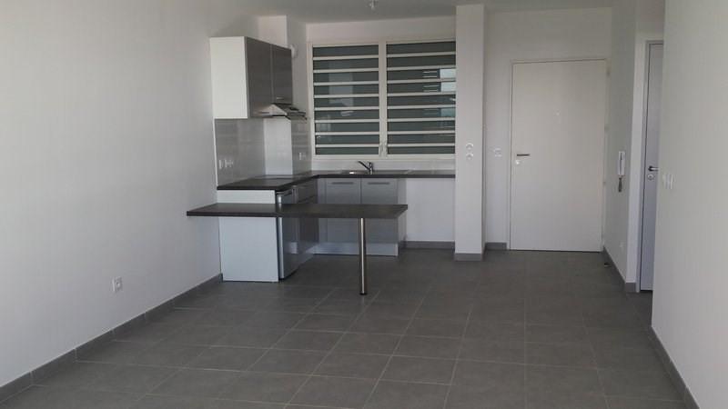Location appartement St denis 603€ CC - Photo 2