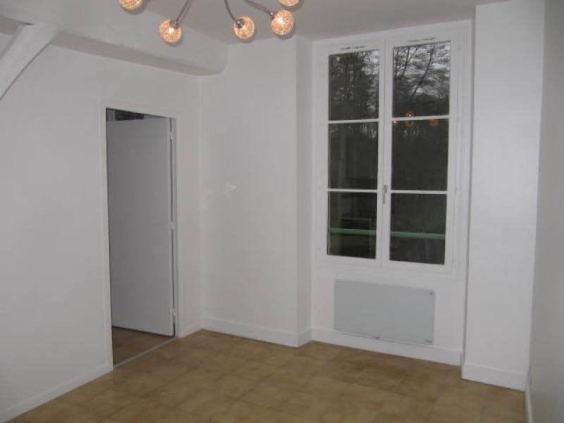Rental apartment Lardy 506€ CC - Picture 2