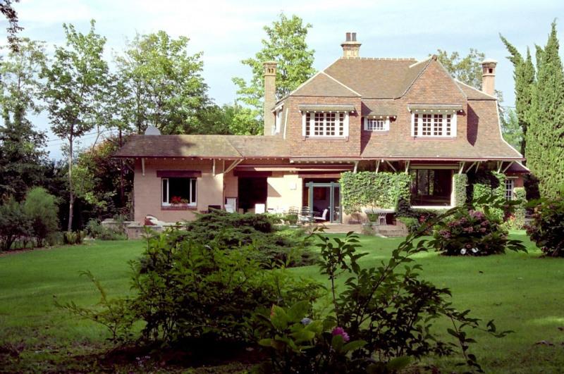 Deluxe sale house / villa Louveciennes 2195000€ - Picture 1
