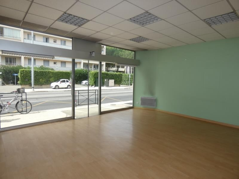Location local commercial Montelimar 652€ HT/HC - Photo 2
