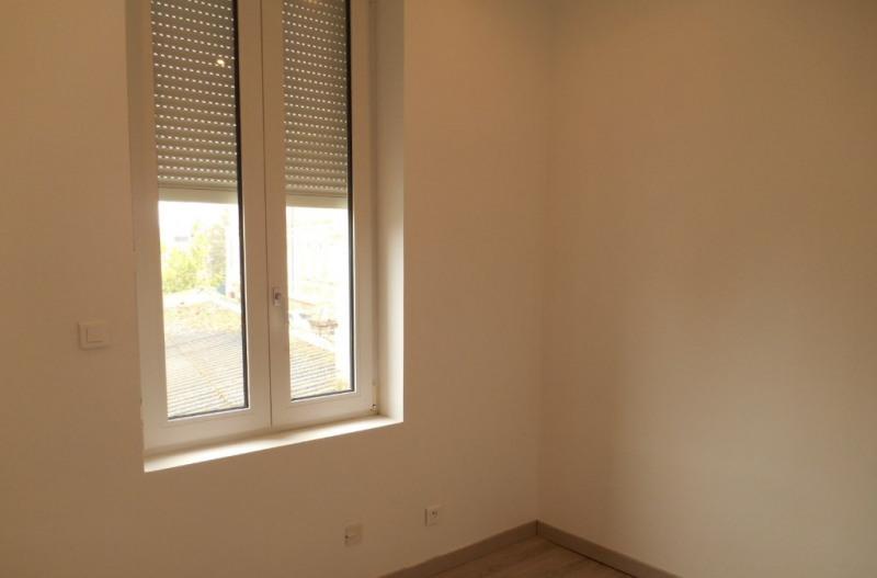 Rental house / villa Saint quentin 498€ CC - Picture 7