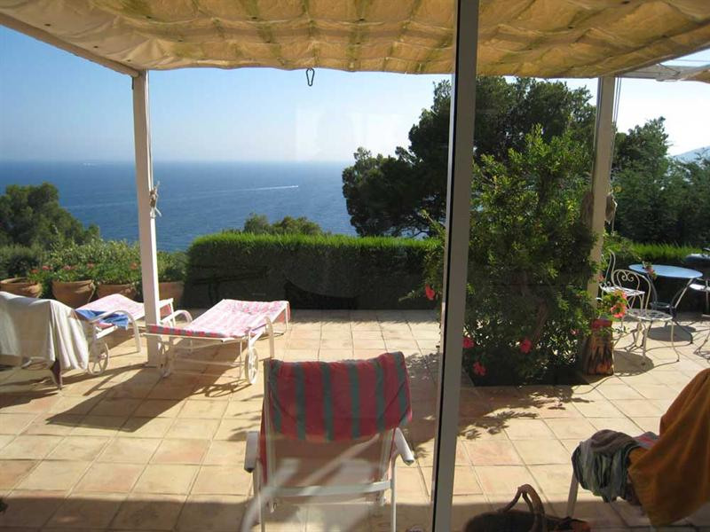 Vacation rental house / villa Cavalaire sur mer 2 800€ - Picture 7