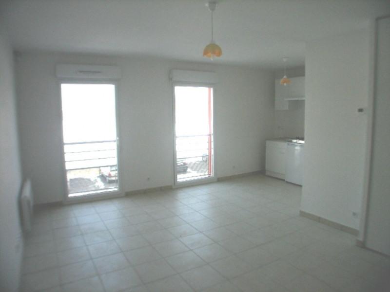 Location appartement Cranves-sales 557€ CC - Photo 2